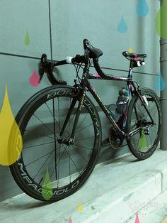 my current ride 2016. Colnago C40 with 2015 campagnolo chorus, bora ultra 50 clinchers, zipp cockpit, brooks swallow titanium and veloflex clinchers.