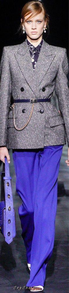 Givenchy Fall 2019 RTW #Givenchy Givenchy, French Fashion Designers, Office Fashion, Work Attire, Chic Outfits, Peplum Dress, Fashion Show, Autumn Fashion, Fashion Dresses