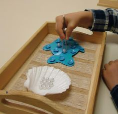 To the Lesson!: Amazing resource of Montessori-based teaching ideas Montessori Trays, Montessori Preschool, Montessori Materials, Maria Montessori, Montessori Elementary, Fine Motor Activities For Kids, Ocean Activities, Preschool Activities, Disney Activities