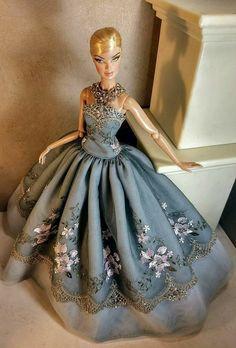 Barbie Gowns, Barbie Fashionista, Collector Dolls, Fashion Dolls, Snug Fit, White Lace, Ball Gowns, Royalty, Dolls Dolls