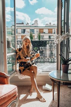 Manila Grace Kimono in Paris - leonie hanne – haute couture Ohh Couture, Travel Pictures Poses, Dubai, Leonie Hanne, Coffee Girl, Coffee Club, Cool Poses, Luxe Life, Couple Photography Poses