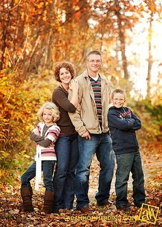 family of 4 posing idea
