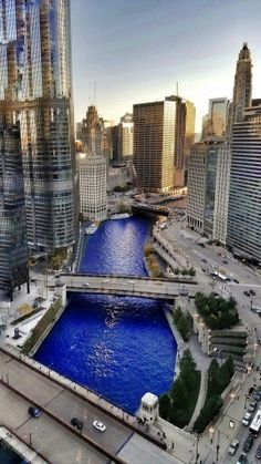 Chicago River dyed Cubbie blue November 4th 2016 for the Cubs World Series Champions parade