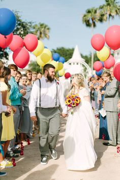 We all know Ellie and Carl are which is why we love that this couple had an UP-inspired wedding with Disney Weddings. Diy Wedding Planner, Budget Wedding, Wedding Day, Disney Inspired Wedding, Disney Weddings, Pretty Wedding Dresses, Disney Style, Wedding Inspiration, Bride