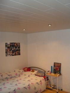 Paneelendecke Bed, Furniture, Home Decor, Ceilings, Stream Bed, Interior Design, Home Interior Design, Beds, Arredamento