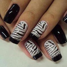 zebra-stripe-french-manicure-with-black-tips