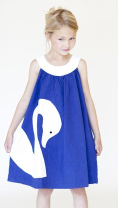 """""""Swan"""" dress .... but on a quilt instead maybe"""