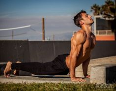 If you like Yoga a lot, then you would probably need a Yoga Mat. People who are into Yoga require themselves to have a Yoga Mat. Yoga Inspiration, Fitness Inspiration, Yoga Fitness, Mens Fitness, Fitness Hacks, Yoga Poses For Men, Yoga For Men, Yoga Man, Ashtanga Yoga