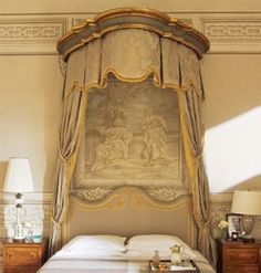 Bed canopy and grisaille _BM