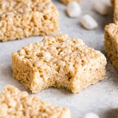 This is the best Rice Crispy Treats Recipe EVER They are gooey soft and flavorful so easy to make with 5 ingredients in 5 minutes ricecrispytreats ricecrispies homemadericecrispytreats dessert easy recipe Best Rice Crispy Treats Recipe, Chocolate Rice Crispy Treats, Homemade Rice Krispies Treats, Rice Crispy Treats Christmas, Rice Crispy Cake, Rice Crispy Cereal, Vegan Treats, Christmas Treats, Halloween Treats