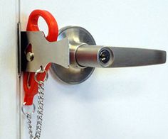 Gate portable swinging security