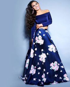 Long sleeve off the shoulder navy dark blue long prom dress floral two piece Floral Prom Dresses, Prom Dresses 2018, Cute Prom Dresses, Prom Dresses Long With Sleeves, Dance Dresses, Pretty Dresses, Beautiful Dresses, Evening Dresses, Formal Dresses