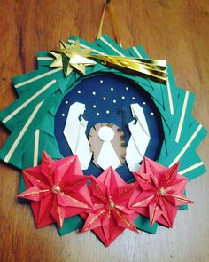 New Origami Star Wreath Paper Flowers Ideas Christmas Paper Crafts, Christmas Origami, Diy Christmas Ornaments, Christmas Decorations, Xmas, Origami Fish Easy, Useful Origami, Origami Stars, Origami Lamp