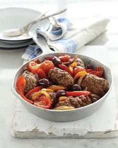 תבשיל קציצות ברוטב פלפלים ועגבניות שרי