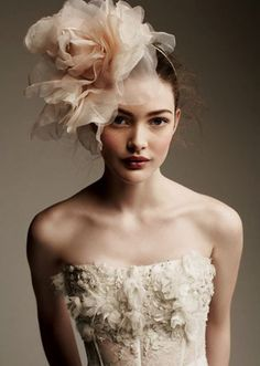 fascinator styles Chic neutral wedding inspiration board with loads of lovely details. Wedding Headband, Fascinators, Bridal Headpieces, Bridal Fascinator, Ivory Fascinator, Wedding Make Up Inspiration, Fashion Inspiration, The Bride, Wedding Makeup Looks
