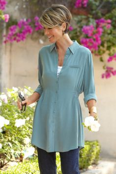 Shop our entire collection of women's tops & tees in luxuriously soft fabrics for a warm day or cool evening. Find tunic tops, tees, shirts & toppers today at Soft Surroundings. Mature Fashion, Over 50 Womens Fashion, Fashion Over 50, Pretty Outfits, Style Me, Tunic Tops, Stylish, How To Wear, Shirts