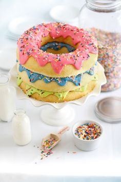 Triple layers Donut Cake. So pretty !! =)