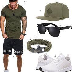 Cooler Herren-Style mit khakifarbenem Amaci&Sons Shirt, Djinns Cap, Steinbock7 Paracord Armband, schwarzer Sonnenbrille, Bolf Shorts und Adidas Schuhen.