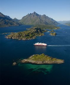 Traveler - HURTIGRUTEN, Norway