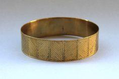 Chouchou du week-end : Bracelet Ethnique Bronze Gravé ! Bijoux de créateurs originaux. Fabrication équitable au Niger.