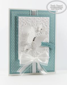 Lovely little confection--perfect for a wedding or anniversary maybe.