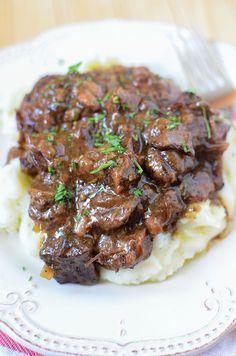 Slow Cooker Sirloin Beef Tips in Mushroom Gravy!