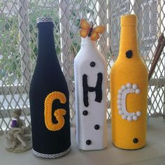 décorations intérieures les lettres représentent les sigles du nom de la cliente Bottle, Home Decor, Dress, Blouse, Decorated Bottles, Letters, Colors, Decoration Home, Room Decor