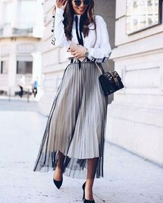 Summer Street Style Looks to Copy Now - Work Outfits Women Look Street Style, Street Style Summer, Street Chic, Madrid Street Style, Fashion Week, Look Fashion, Fashion Trends, Office Fashion, Fashion Fall