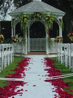 Lee James Floral, Red Rose, Wedding, Outdoor Wedding, Ceremony Aisle Design