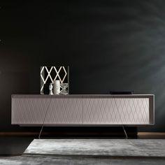 Elegante & formreduzierte Möbelstücke