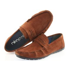 Men's moccasins of well-known and renowned Polish brand Nikopol in a very beautiful dark-camel suede. The shoes are made of natural leather. Moccasins Mens, Natural Leather, Suede Leather, Loafers Men, Camel, Oxford Shoes, Dress Shoes, Footwear, Fashion