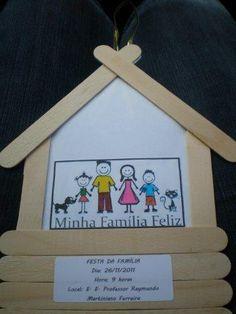 16 Lembrancinhas para o Dia da Família - Aluno On Preschool Family Theme, Family Crafts, Preschool Crafts, Crafts For Kids, Arabic Alphabet For Kids, Kids Homework, Paper Plate Crafts, Sunday School Crafts, Toy Craft