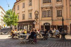 Erich (c) STADTBEKANNT - Das Wiener Online Magazin Honeymoon Pictures, Homeland, Austria, Street View, Red Bull, Colorful, Travel, Inspiration, Vienna