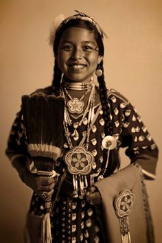 Beautiful young woman, photo taken at Crow Fair - by TOSHOGRAPHY