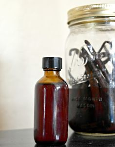 DIY Homemade Vanilla Extract Tutorial ~ Easy Recipe w/ Resources! Make real vanilla extract!