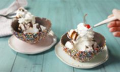 Sprinkle Ice Cream Bowls: Who needs a cone when you eat a SPRINKLE Ice Cream Bowl?! Cream Bowls, Ice Cream Bowl, Pastry Recipes, Dessert Recipes, Cooking Recipes, Cold Desserts, Sweet Desserts, Frozen Rose, Elsa Frozen