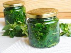 Jak vyrobit dezinfekční gel na ruce? Vodka, Mason Jars, Syrup, Alcohol, Mason Jar, Glass Jars, Jars