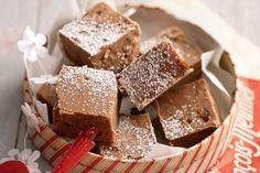 Delicious! #chocolatecakerecipes at gateau-au-chocolat.net Chocolate Fudge http://www.gateau-au-chocolat.net/?p=599