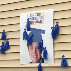 Graduation party game Pin the tassel on the grad Credit to @beeswave