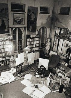 Left, Tove in her studio in Helsinki, right, swimming at her Finnish summer house Artist Life, Artist At Work, Artist Workspace, Moomin Valley, Tove Jansson, Summer Books, People Of Interest, Old Photographs, Japanese Pottery