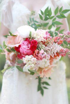 Colorful Floral Bridal Bouquet by Dellables - Anna Kim Photography Farm Wedding, Chic Wedding, Garden Wedding, Wedding Blog, Rustic Wedding, Wedding Stuff, Wedding Bouquets, Wedding Flowers, Peach Flowers