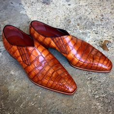 """The """"Flynn"""" in chestnut alligator. Made to Order on the square Deco last. Without a medallion."""