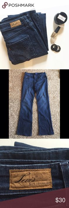 Demi Curve Bootcut Levi's Denim Jean These trendy Demi curve, classic Bootcut, denim jeans by Levi's are so cute! They are from the San Francisco collection and are in great condition! They are a size 6/28! Check these out! Levi's Jeans Boot Cut