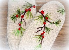 Women beige mittens with berries . by Indrasideas on Etsy