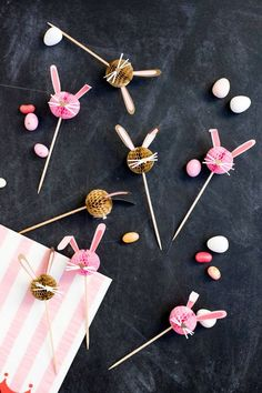 This Easter, why not make some honeycomb bunnies to hop across your cupcakes? (Hopefully everyone won't be too sugared out on jellybeans and chocolate eggs). Start with pre-made honeycomb picks, add a