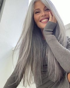 Hurry up and wait. Clean house dotted with pretty flowers, made beds, and full makeup at 8 in the am for a Swedish magazine feature. Long Silver Hair, Long Gray Hair, Hair Dos, My Hair, Grey Hair Journey, Grey Hair Inspiration, Transition To Gray Hair, Full Makeup, Photos Of Women