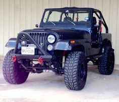 Motorvation's 1985 CJ7 gets a facelift. New Smittybilt stinger Bumper and Superwinch