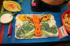 Butterfly veggie tray for Very Hungry Caterpillar themed birthday Butterfly 1st Birthday, Butterfly Garden Party, Butterfly Birthday Party, Twin First Birthday, Baby Girl Birthday, First Birthday Parties, 5th Birthday, Birthday Ideas, Birthday Cakes
