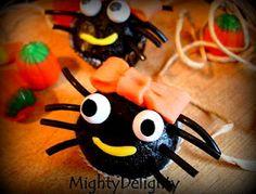 cute mini spider cupcakes