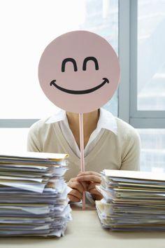 ¡Feliz fin de semana! No olvidéis #sonreír y pasar por nuestro #blog. www.farmaciavilaonline.com/blog